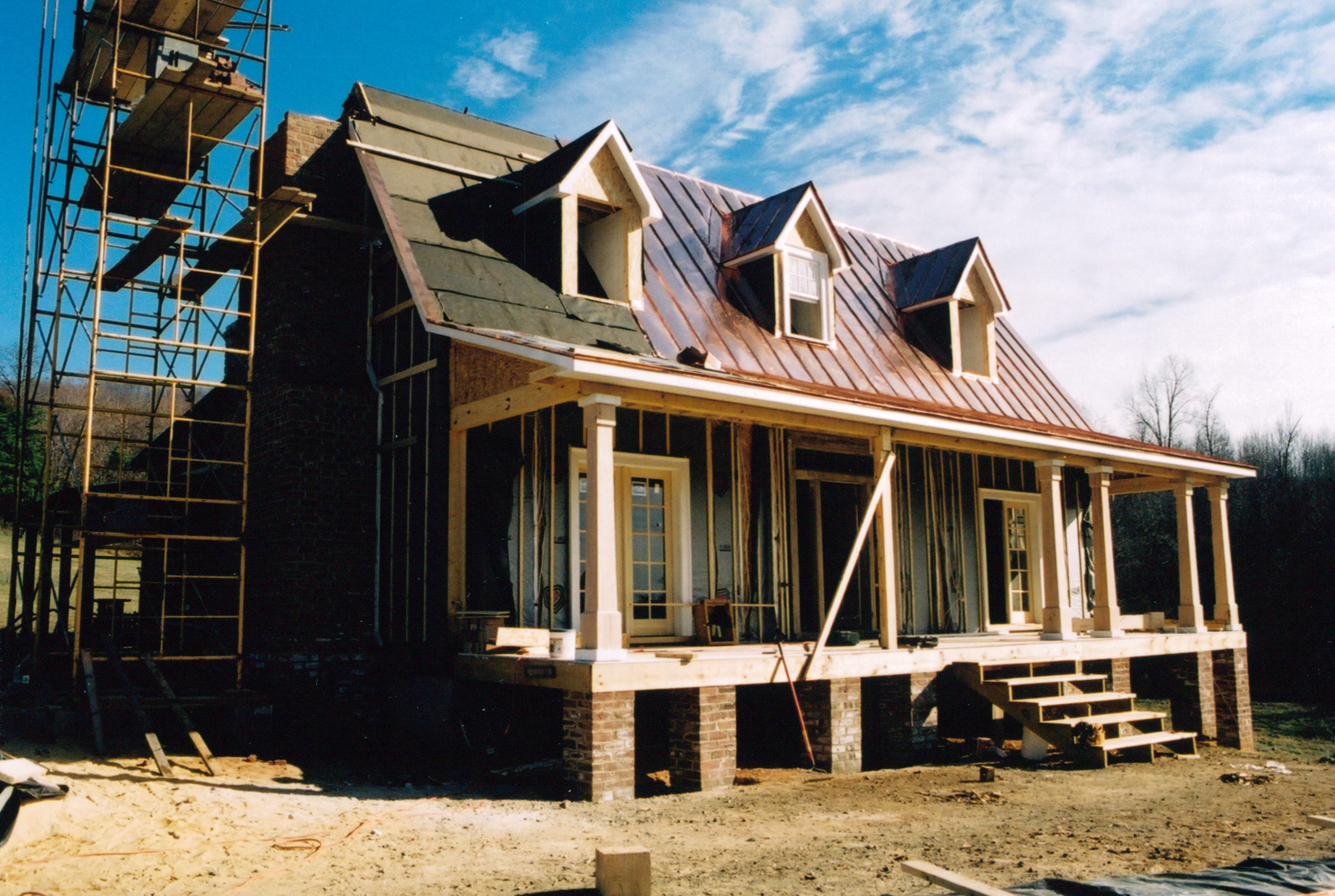 the ruth house part 13 handmade houses with noah bradley after we had attached the stress skin panels to the frame to create the outside walls and we had framed the front porch and the dormer windows