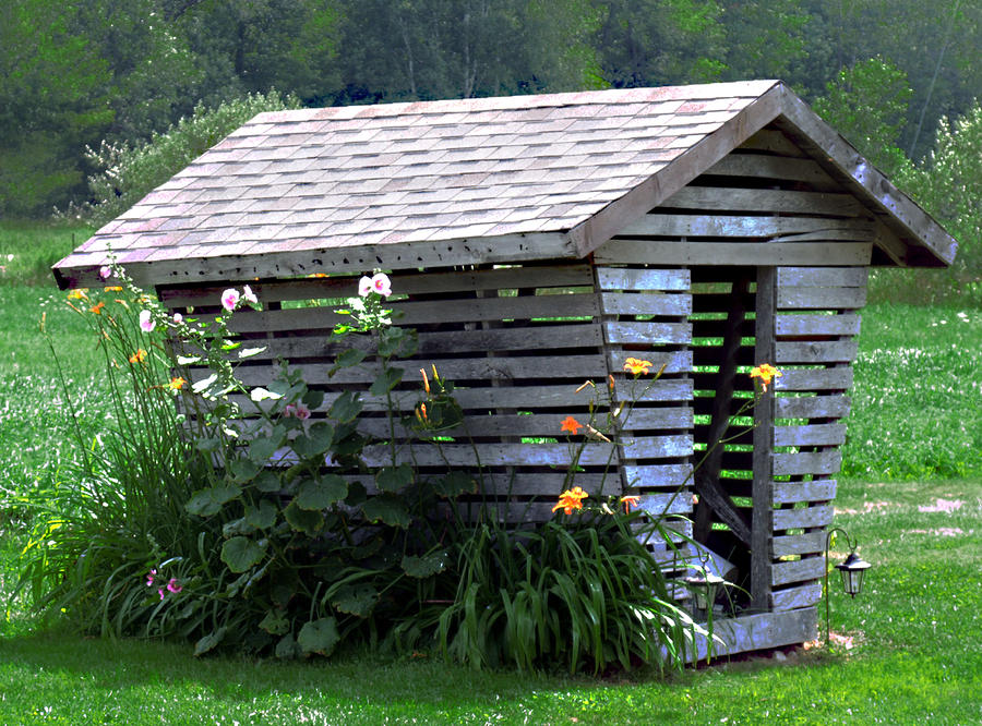 Start Small Think Small Consider A Corn Crib