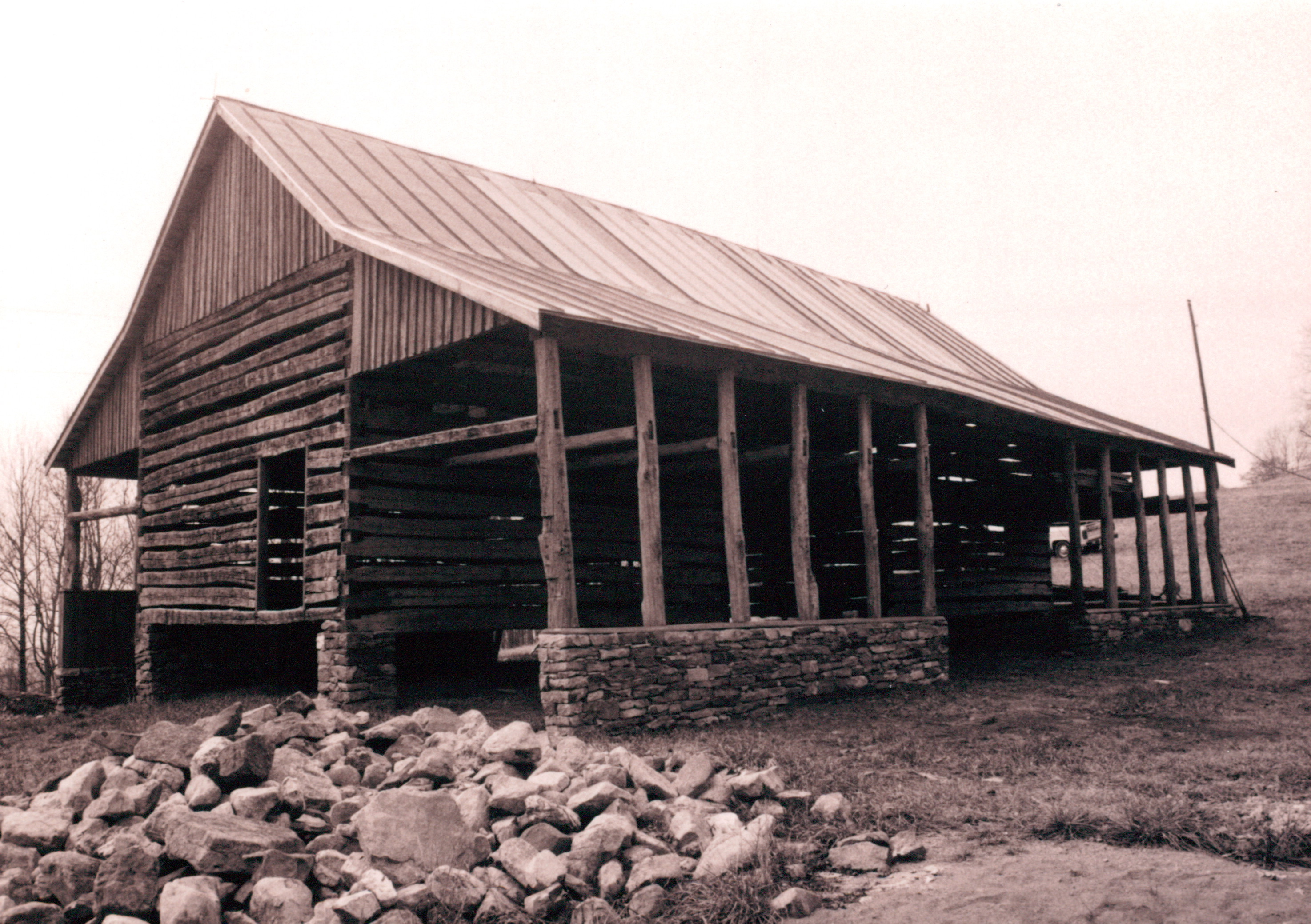 A double pen log barn part 20 handmade houses with for Log barn homes