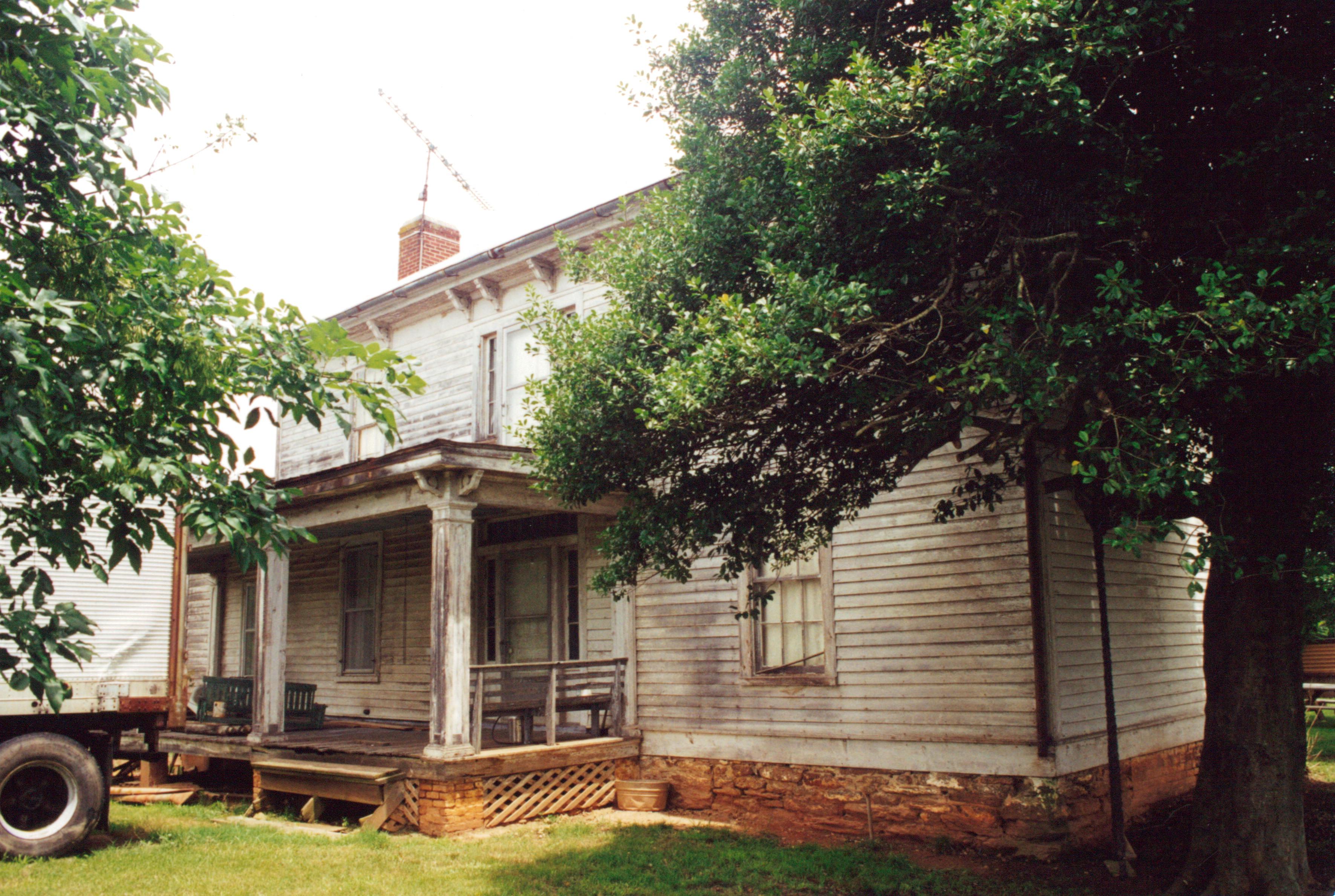 An Early 20th Century Home Handmade Houses With Noah