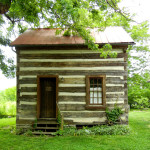 Small cabins are always attractive