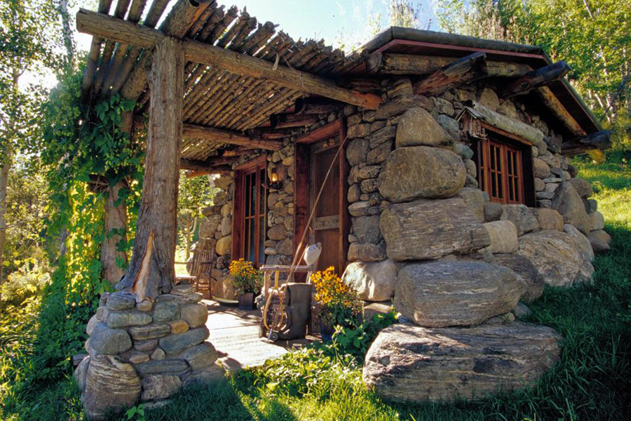 Two very different stone cottages handmade houses with noah bradley - Wooden vacation houses nature style ...